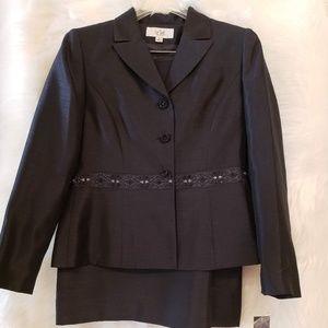 NWT Elegant Charcoal/Black Suit - Retail $200